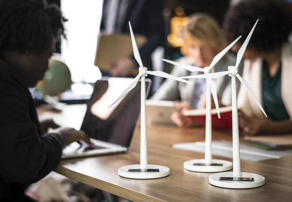 Aprende a reinventar un modelo de negocio con estos 9 pilares